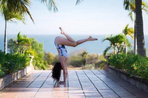 Handstand Training with Catie Foroughi @ Light Centre Belgravia | England | United Kingdom